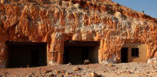 Locais escavados na pedra em Coober Pedy